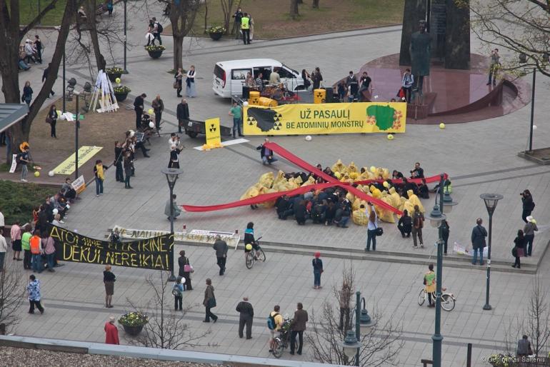 Vilnius, Lietuva, Lithuania, 2011, protestas, mitingas, Protestas pries AE statybas, Kudirkos aikštė
