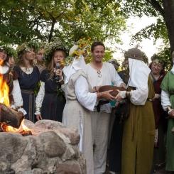 2013, etnokultūra, istorija, kultūra, Lizdeikos aukuras, parkas, Rasos, Rasų šventė, renginys, Saulės palydėjimas, šokiai, šventė, tradicijos, ugnis, Verkiai, Verkių parkas, Verkių rūmai, Žolynų turgus, laužas, Vilnius, Lietuva, Lithuania, solstice
