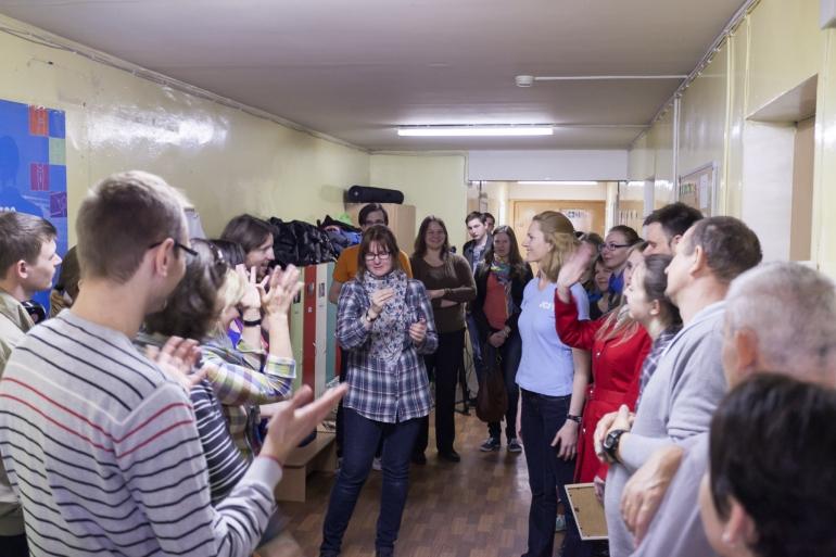 2014, Lietuva, Lithuania, Vilnius, JCI, Lietuvos kurčiųjų ir neprigirdinčiųjų ugdymo centro vaikų darželis, Spalvotas gyvenimas, dažymas