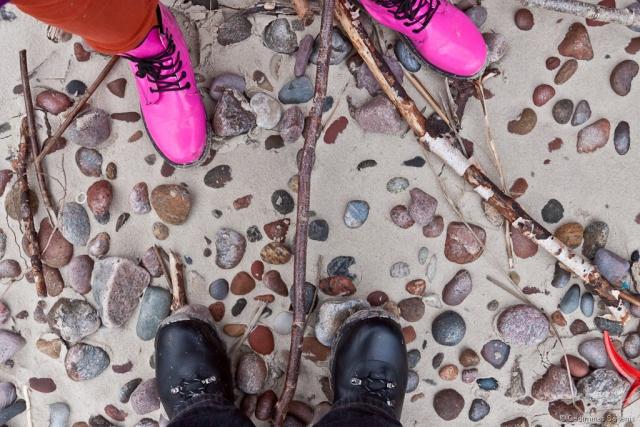 akmenys, batai, smėlis, paplūdimys, Baltijos jūra, rausva, ružava, meneliai, 2011