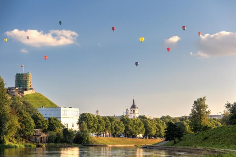 2014, Gediminas' castle, Gediminas' hill, Gediminas' tower, Gedimino kalnas, Gedimino pilis, HDR, hot air balloon, Lietuva, Lithuania, Neris, oro balionas, river, upė, Vilnius
