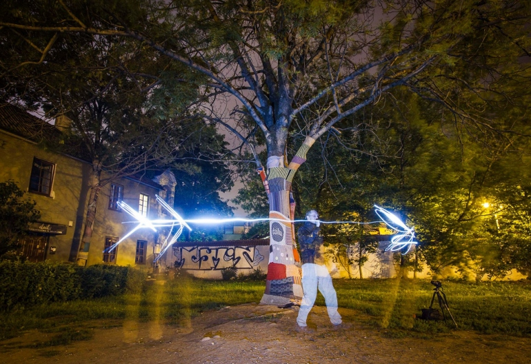 Lietuva, Lithuania, St. Anne's Church, Vilniaus Šv. Onos bažnyčia, Vilnius, bažnyčia, church, ilgas islaikymas, long exposure, medis, medžiai, naktis, night, tree, trees, 2014