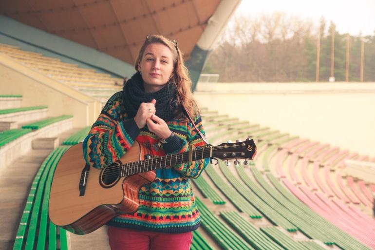 Violeta Bučiūtė - Pas tave, Violeta Bučiūtė, Vilnius, 2013, daina, gitara, Vingio parkas, ruduo