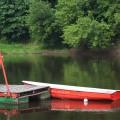 Vilnius-Lietuva-Lithuania-vasara-summer-river-upė-Neris-valtis-prieplauka-boat-wharf-medžiai-trees-2011-helios-58mm